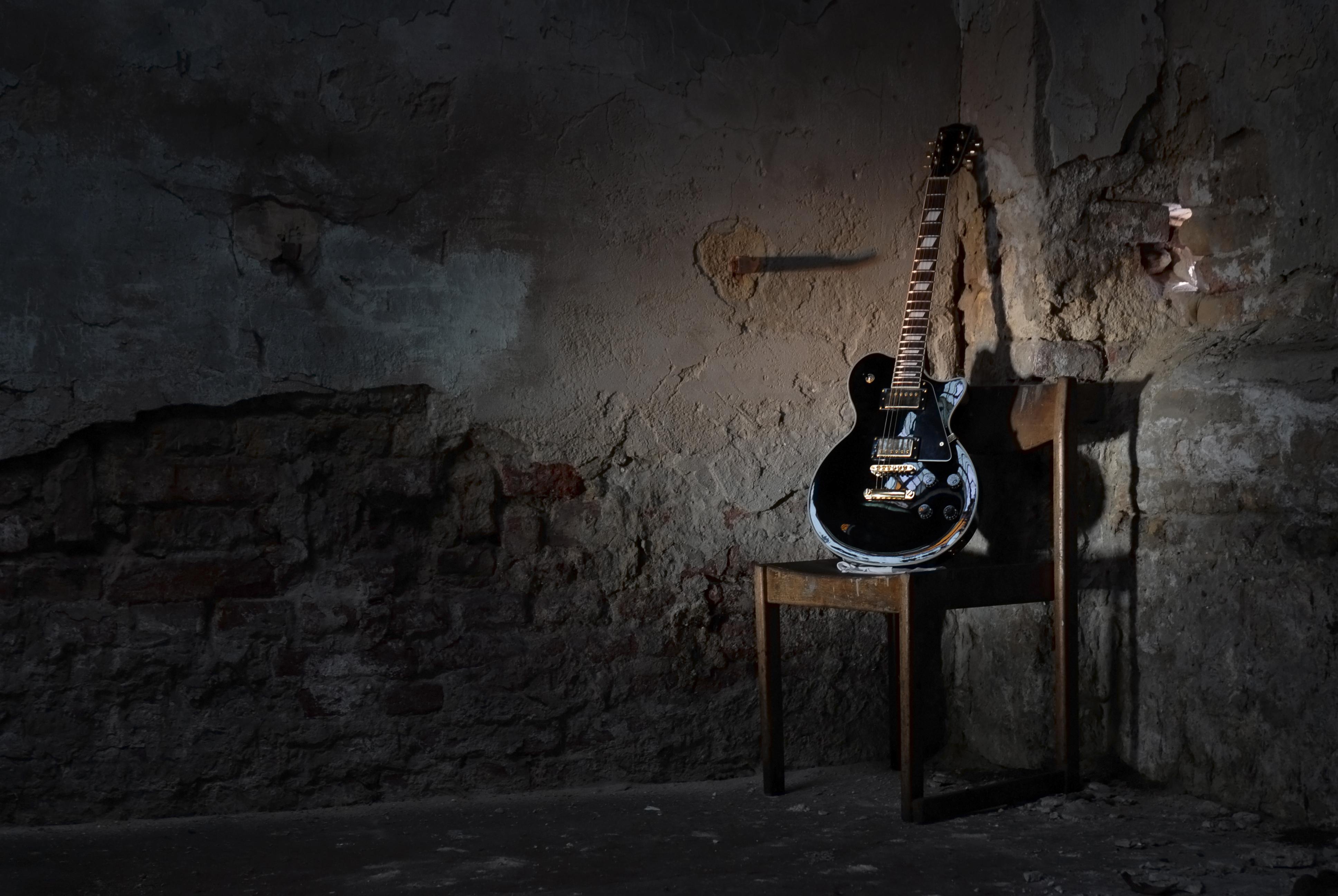 3 Doors Down Guitarist Dead: Possible Drug Overdose