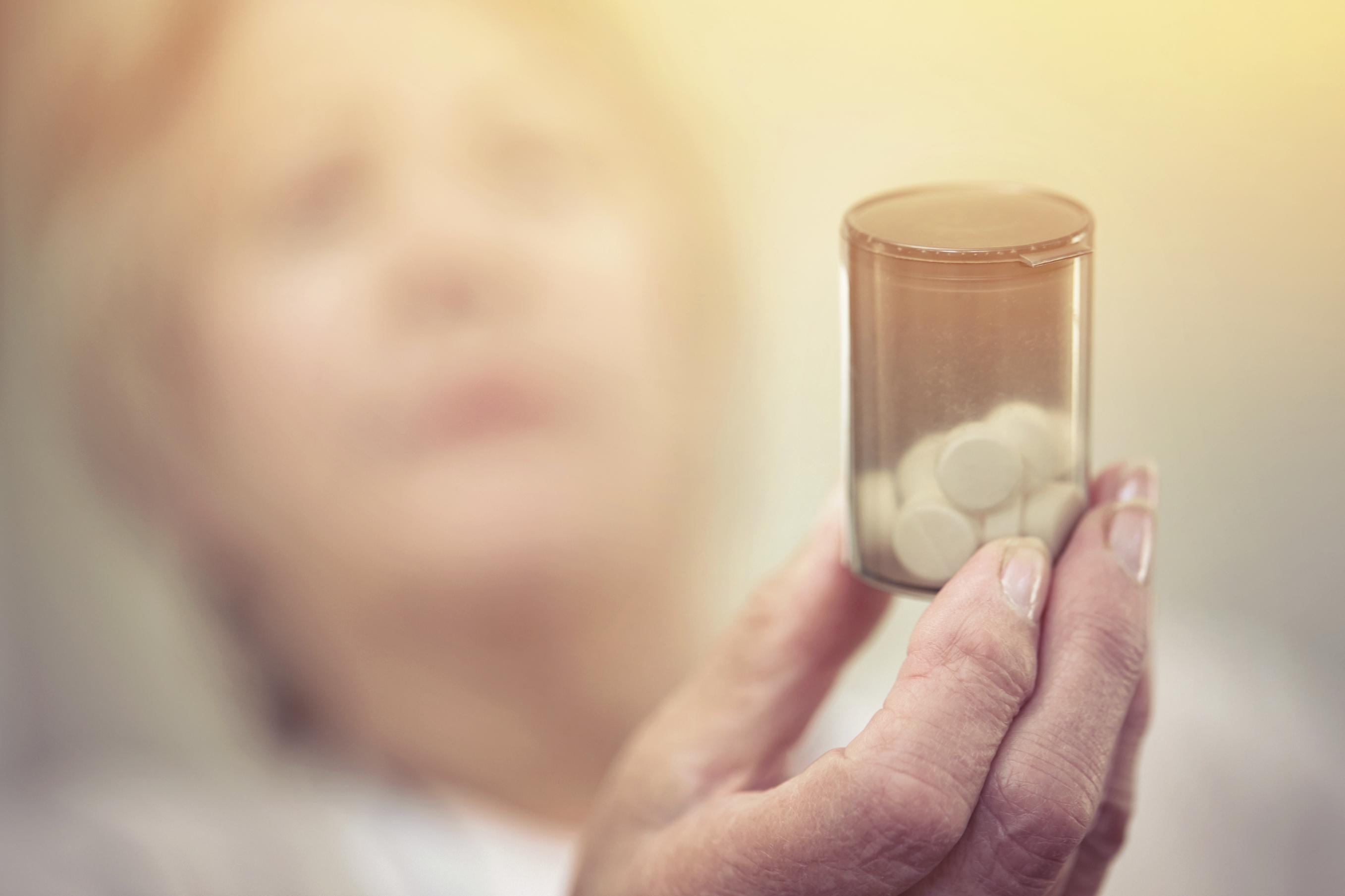 Do Prescription Painkillers Prolong Chronic Pain?